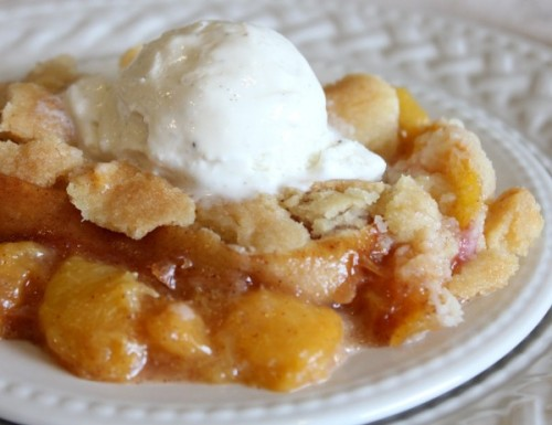 Fresh-Peach-Cobbler-–-A-Summertime-Favorite-BEAUTY-e1312814872863